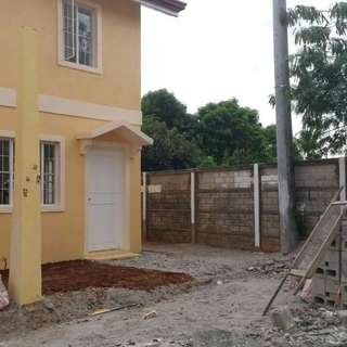 FOR SALE or FOR RENT Townhouse end unit/corner lot