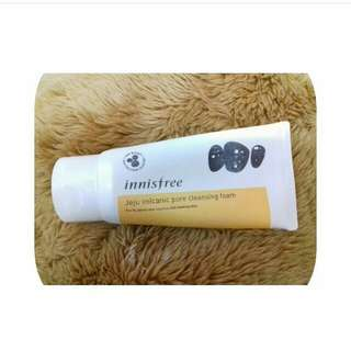 Innisfree Jeju Volcanic Pore Cleansing Foam 150 ml