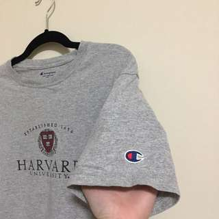 Champion Harvard graphic tshirt