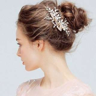 Rose gold with blush details bridal hairpiece