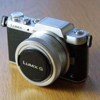 Panasonic Lumix DMC GF7 mirrorless camera