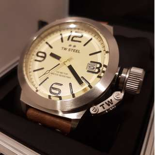 BNIB TW STEEL watch 45 Mm Steel 3-Hands Quartz and Cream Dial