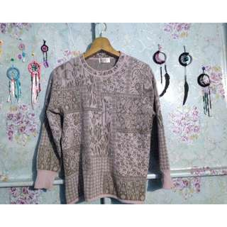 pink and brown pullover