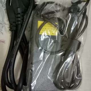 pengecas laptop acer original