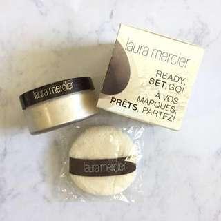 Brand New Mini Laura Mercier Loose Setting Powder in Translucent (9.3 g / 0.33 oz)