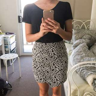 DOTTI Fitted Skirt
