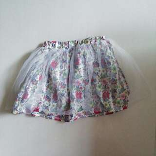 Floral skirt with mesh
