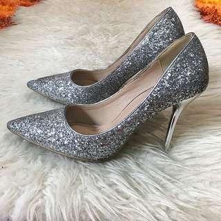 Sepatu pesta import size 39