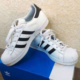 🚚 Adidas Superstar金標23.5cm