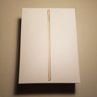 """New iPad (2017) 32GB (Wi-Fi + Cellular) 9.7"""" Gold"""