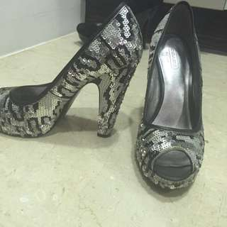 🚚 Coach 銀色亮片高跟鞋size 7.5