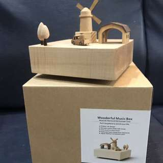 Wooderful Holland music box