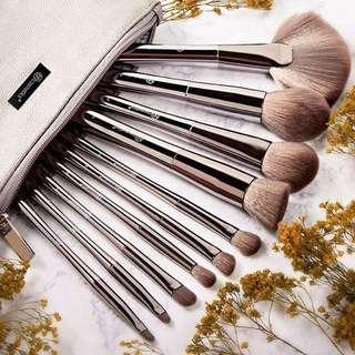 (ORDERED) BH Cosmetics Smoke 'n Mirrors - 10 Piece Metalized Brush Set