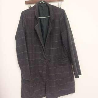 深灰長版外套