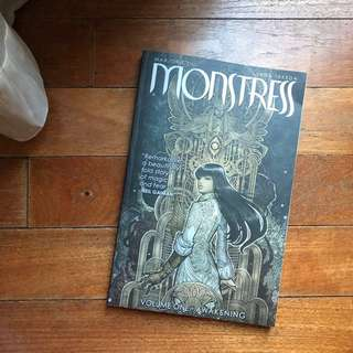 Monstress Vol. 1 in Paperback