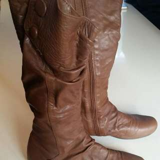 Brown Leather Zu Boots Size 7 (37)