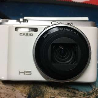 ZR1000白色.附贈兩顆電池.充電器.原廠傳輸線.16G記憶卡.相機硬殼包