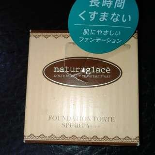 naturaglace 草本果仁蛋糕保濕粉餅