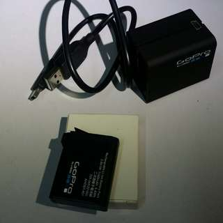 Gopro 4 dual charger + original battery