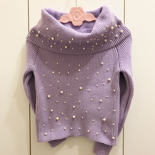 粉紫色一字領珍珠針織毛衣