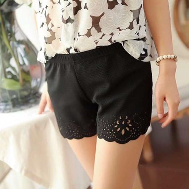 簍空燒花安全褲(黑色) #百元全新女裝  #我的旋轉衣櫃