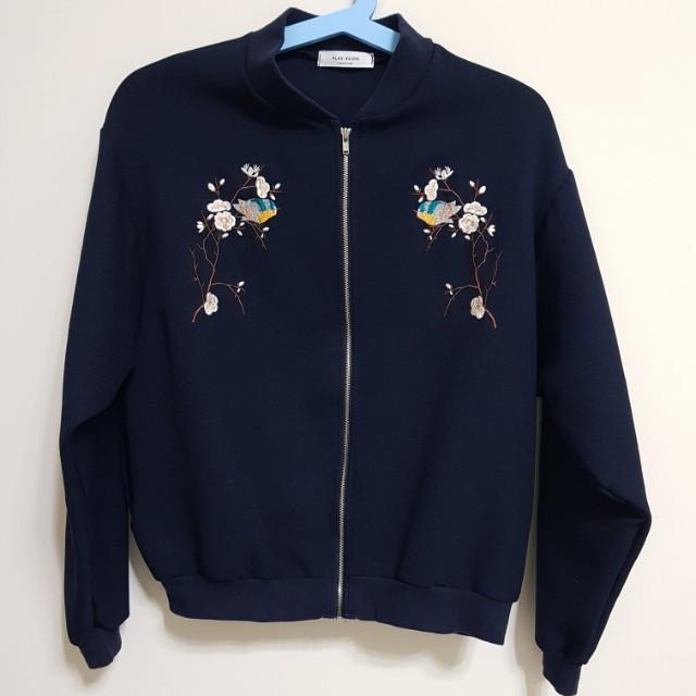 [百元]深藍刺繡外套