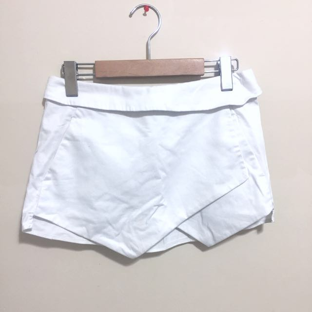 Aritzia Berkeley Shorts