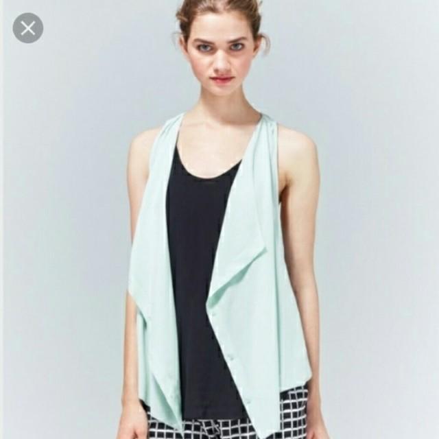 Aritzia Wilfred Ninon 100% silk Vest/Blouse