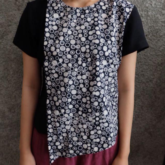 Batik top size s asimetri