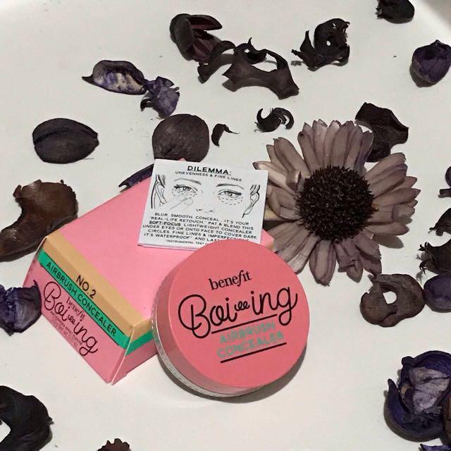 Benefit Boiing Airbrush Concealer