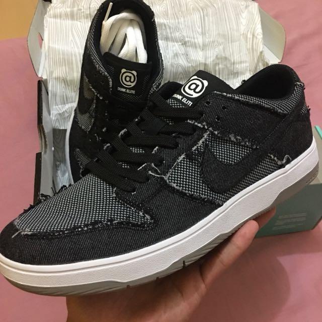 5d3ab42d2508 Be rbrick Medicom X Nike SB Zoom dunk low elite qs