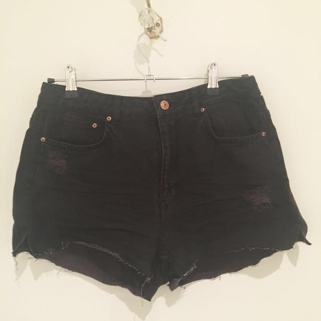 Black H&M Shorts #under20