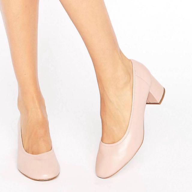 Blush glove shoes