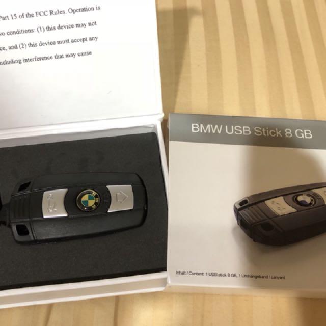 BMW 8G 鑰匙造型隨身碟 全新正品 未使用過 但放久了 logo部分有泛黃 不介意再購買 保證正品 原廠購入 買的時候好像2000多