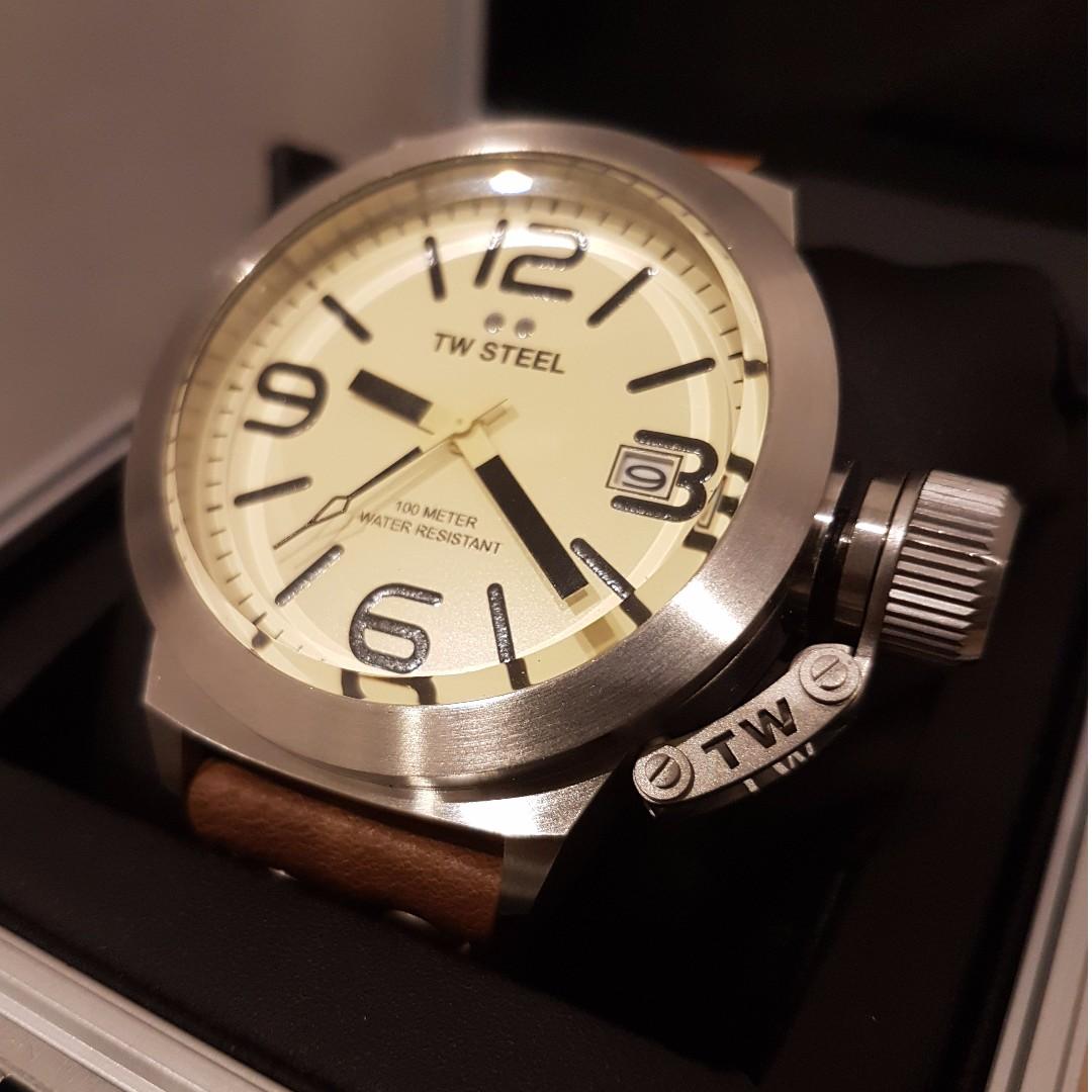 BNIB TW STEEL watch 45 Mm Steel 3-Hands Quartz and Cream Dial