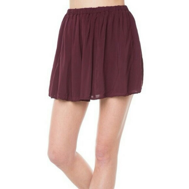 Brandy Melville Sanny Skirt in Burgundy