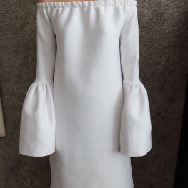 Dress white hits mirip brand lokal ternama