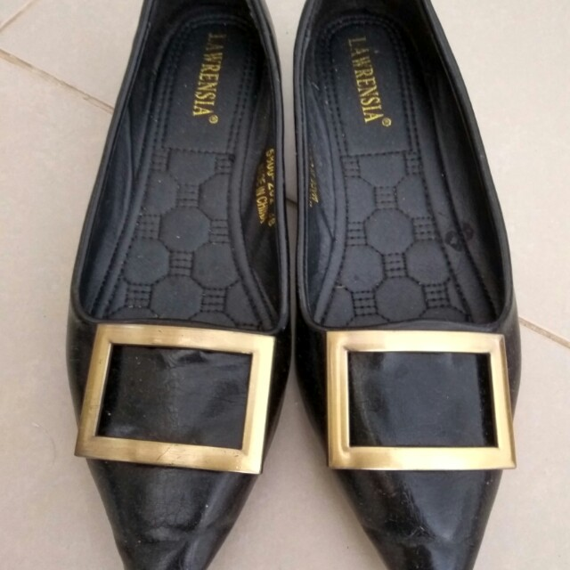 Flat shoes, size 38, insole 24, brand lawrensia, beli di AEON