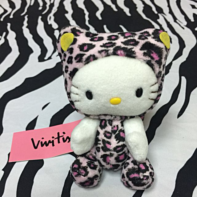 Hello Kitty 紫爆玩偶手腳可以動💕