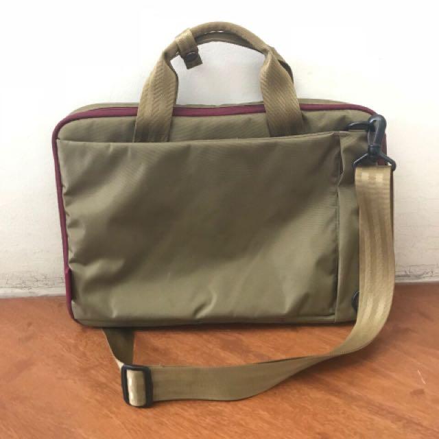"Hellolulu - Laptop Bag Military Green 15"""