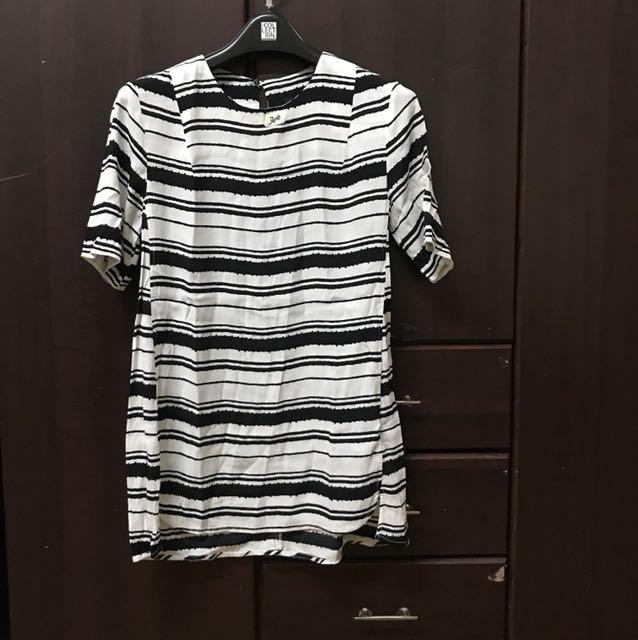 H&M black & white blouse