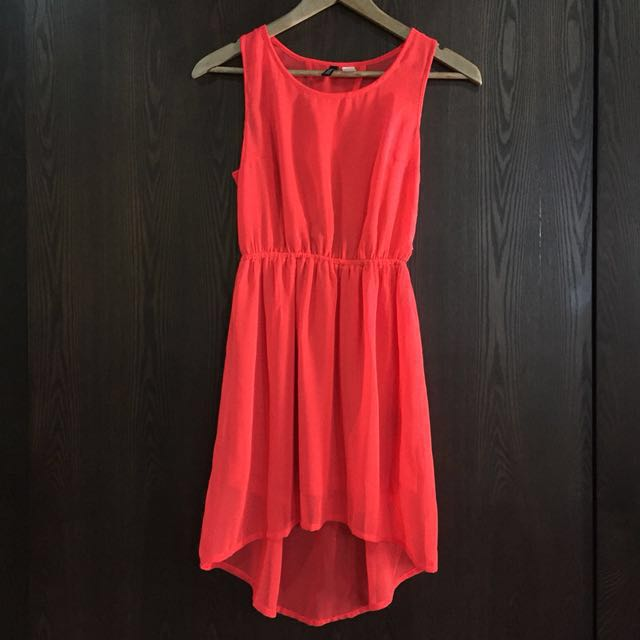 61a909c1b8e7d H&M coral red sleeveless hi-lo dress with peekaboo cut out back - size EUR  34