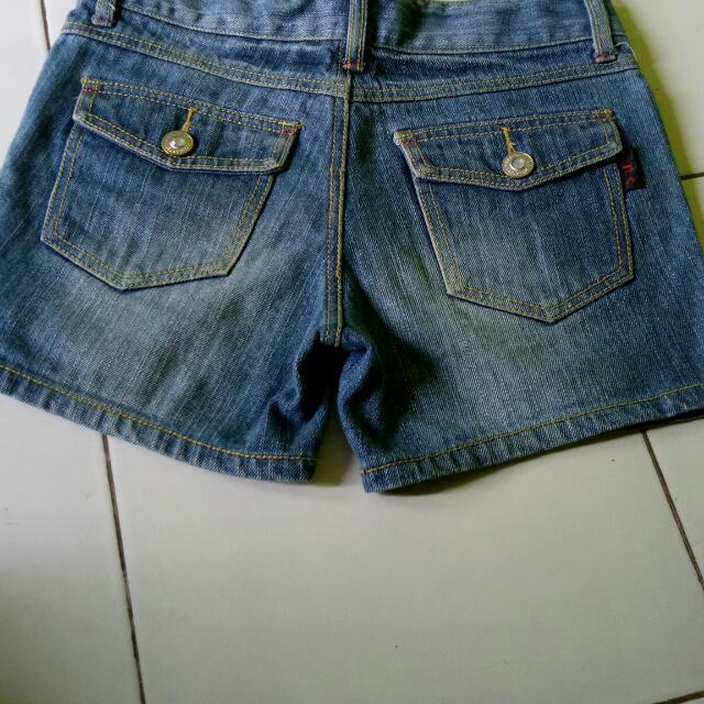 Hot Pants Lingkar Pinggang 82 Sama Dengan M