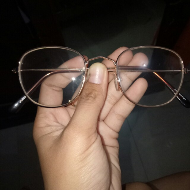 Kacamata rosegold