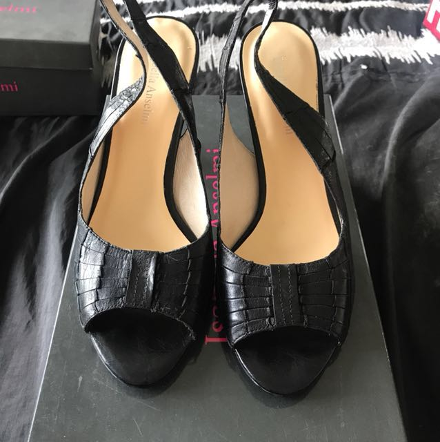 Ladies Black dress heels - Size 40