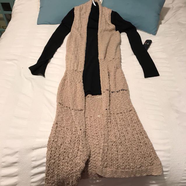 Long beige knit cardigan