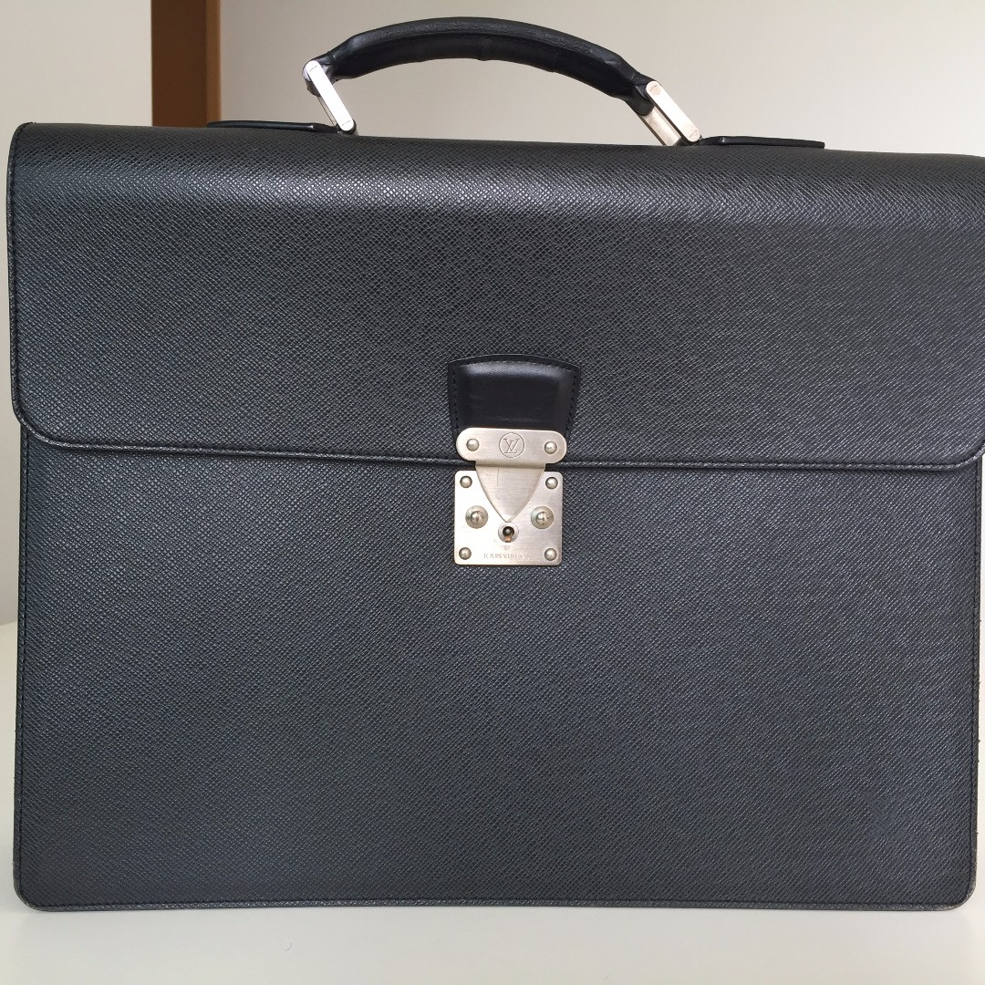 5435c7fe0f55 Louis Vuitton Business Bag ( New worth  4
