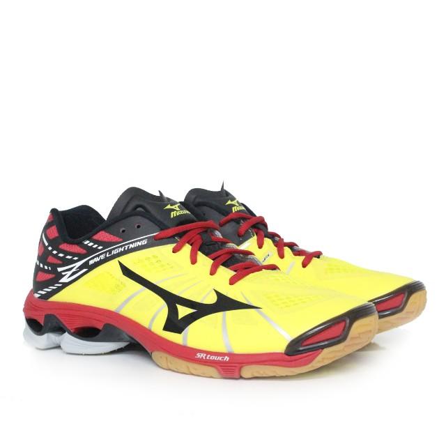 3b88447f Mizuno Wave Lightning Z - Chinese Red (NEW), Men's Fashion, Footwear ...
