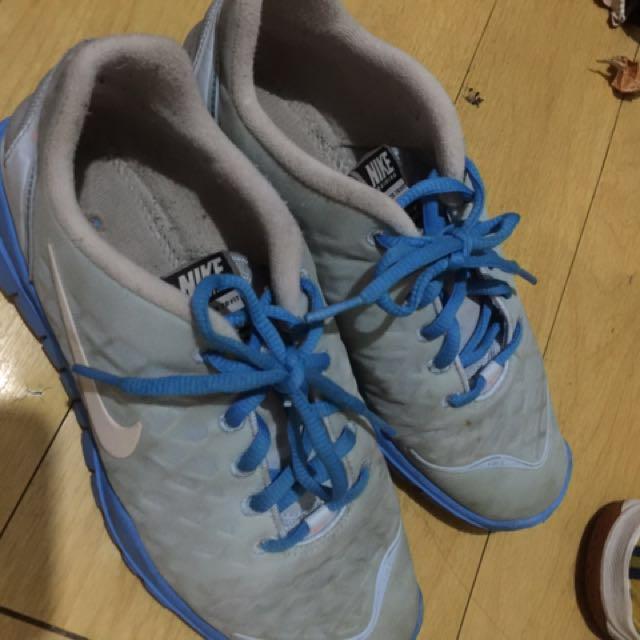 Nike shoes rush!