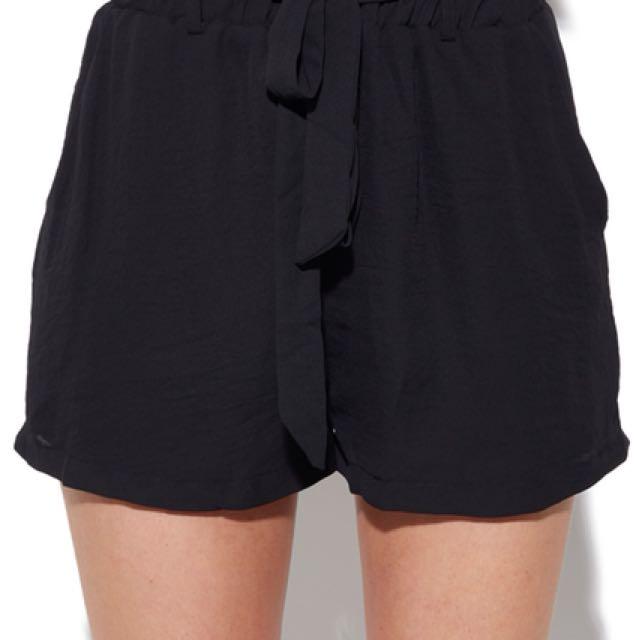 Perfect stranger black shorts